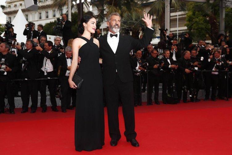 İşte Mel Gibson'ın 35 yaş küçük sevgilisi
