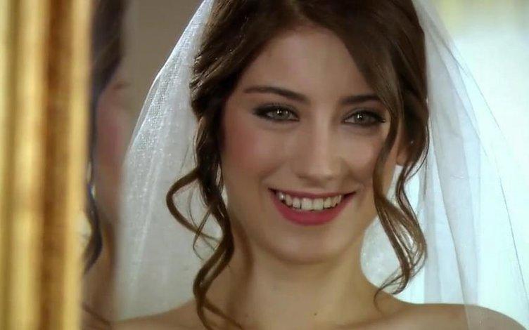 Kerem Bürsin'in yeni  partneri Hazal Kaya mı olacak?