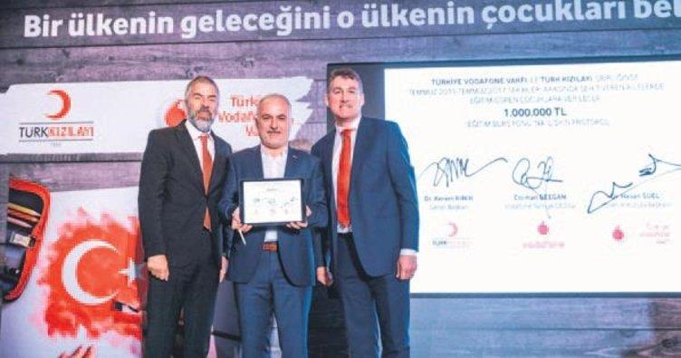 Kızılay ve Vodafone'dan şehit çocuklarına destek