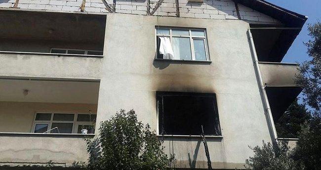 Kocaeli'de ev yangını: 1 ölü, 2 yaralı