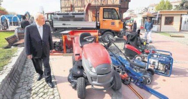 Başkan Fethi Yaşar fuar gezdi