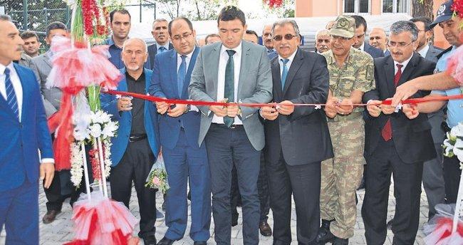 Andırın'a Demokrasi Şehitleri Çeşmesi