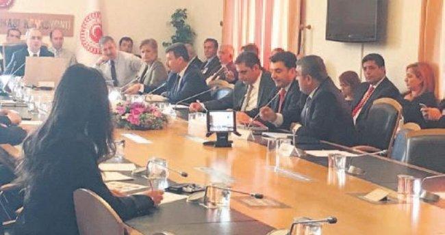 FETÖ Komisyonu'na 24 uzmandan destek