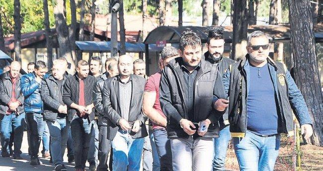 Polis mühürlüyor kumarcılar kırıyor