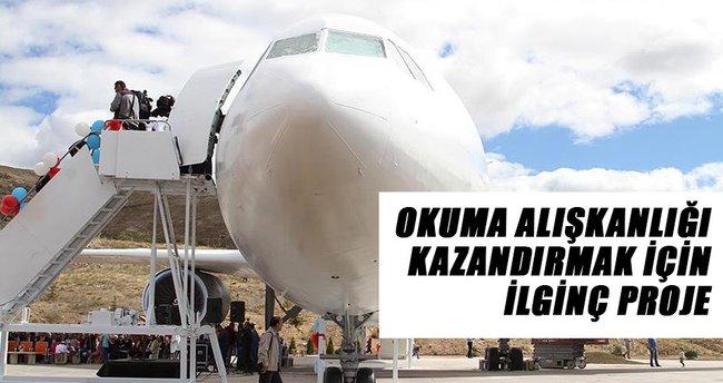 Çankırı'da 'uçak kütüphane' açıldı