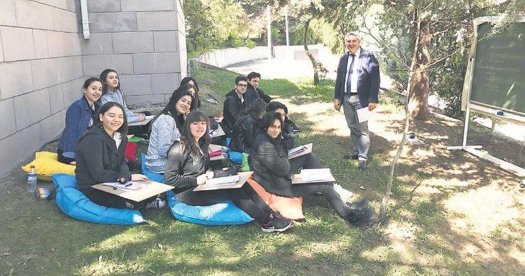 Lise öğrencilerine açık havada eğitim
