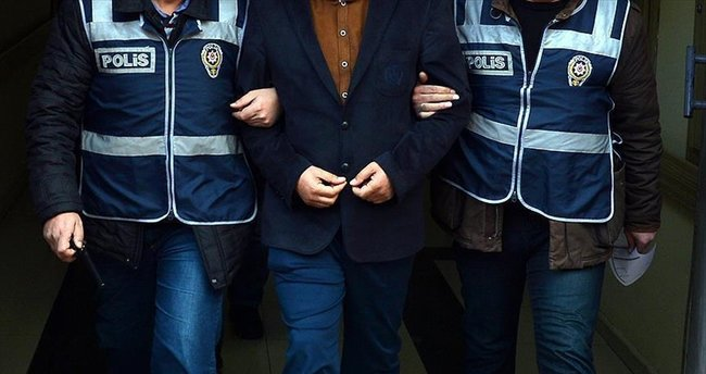 Gebze'de 5 öğretmen tutuklandı