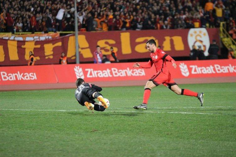 Karşıyaka-Galatasaray maçından kareler