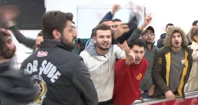 Galatasaray protestoyla karşılandı