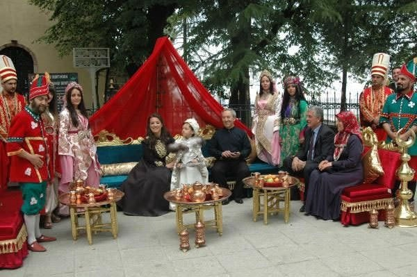 Vali yardımcısından Osmanlı düğünü