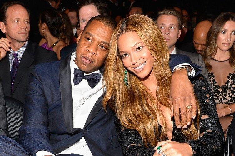 Jay-Z Beyonce'yi aldatıyor mu?