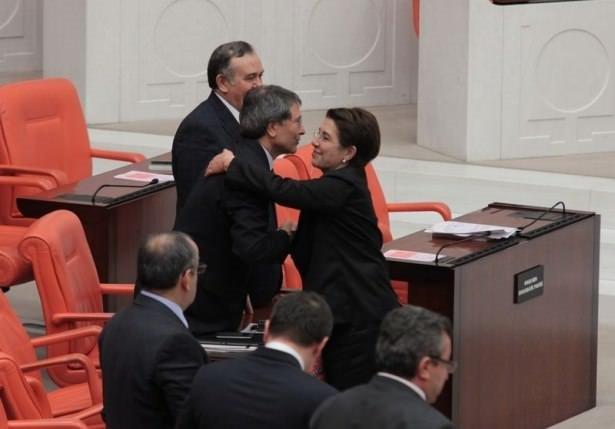 Ayşenur Bahçekapılı Meclis'te veda etti