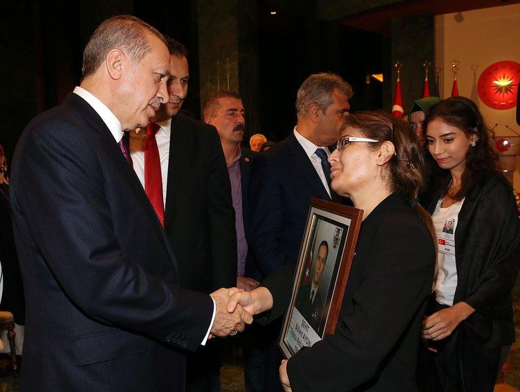 Cumhurbaşkanı Erdoğan şehit yakınlarını ağırladı