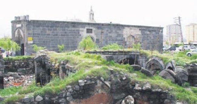 881 yıllık hamam restore ediliyor