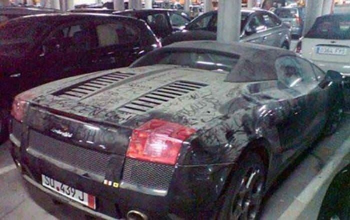 Dubai'nin çöp otomobilleri!