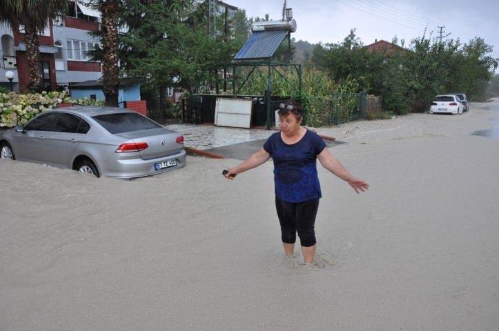 Karadeniz sele teslim oldu