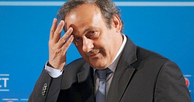 FIFA'dan Platini'ye izin çıktı