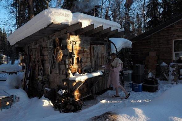 18 yıldır ıssız ormanda bu kulübede yaşıyorlar!