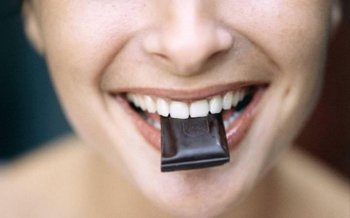 Anne adaylarına bitter çikolata önerisi