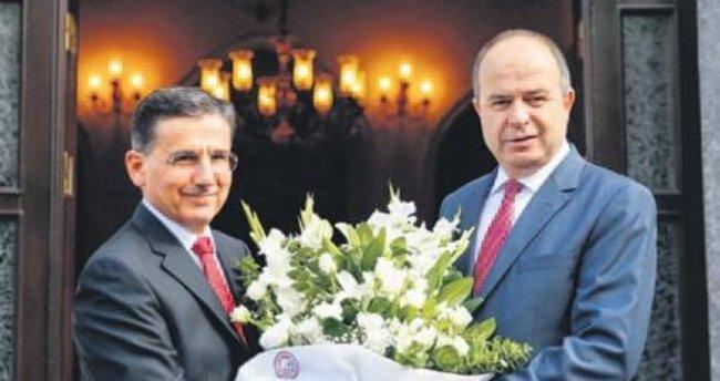Yeni Ankara Valisi Topaca işbaşı yaptı