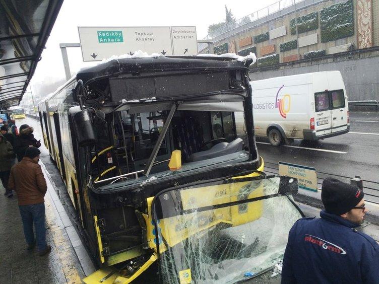 Merter'de metrobüs kazası