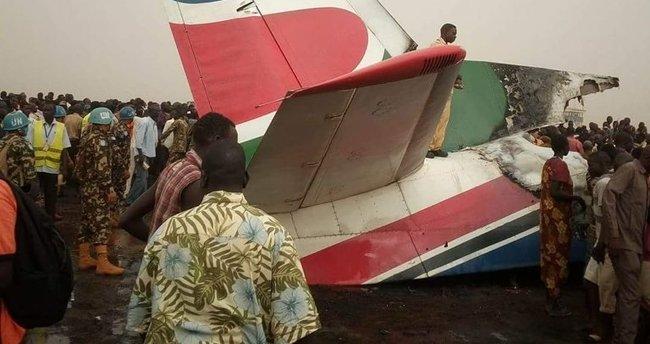 Güney Sudan'da uçak piste çakıldı! 44 ölü