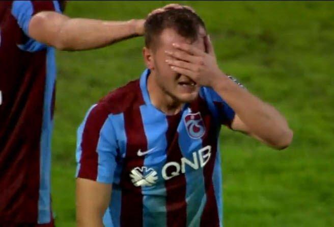 Trabzonsporlu Yusuf Erdoğan gözyaşlarını tutamadı