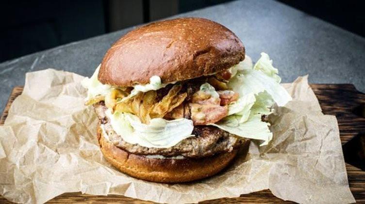 Fare etinden burger yaptılar... Fiyatı: 28,5 TL
