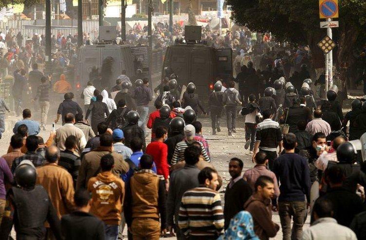 Mısır'da protestolar üçüncü gününde