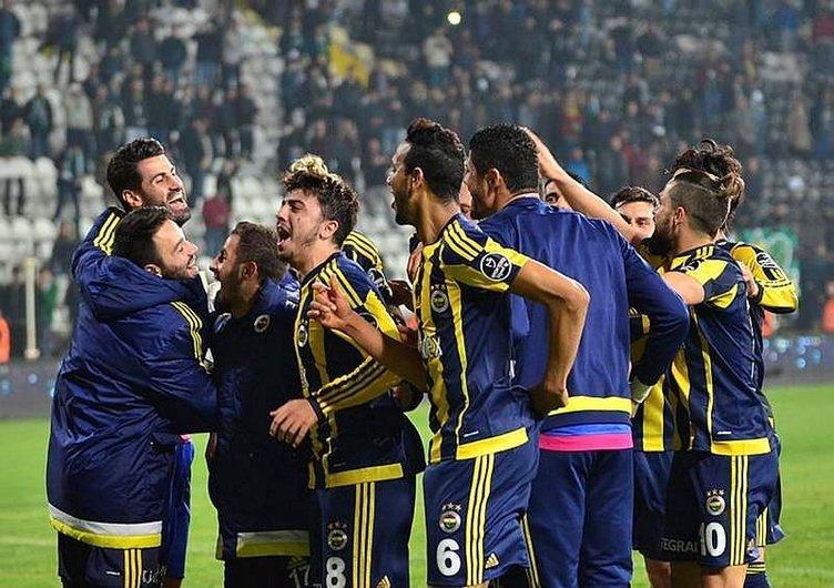 Fenerbahçeli futbolcu koridorda fenalaştı!