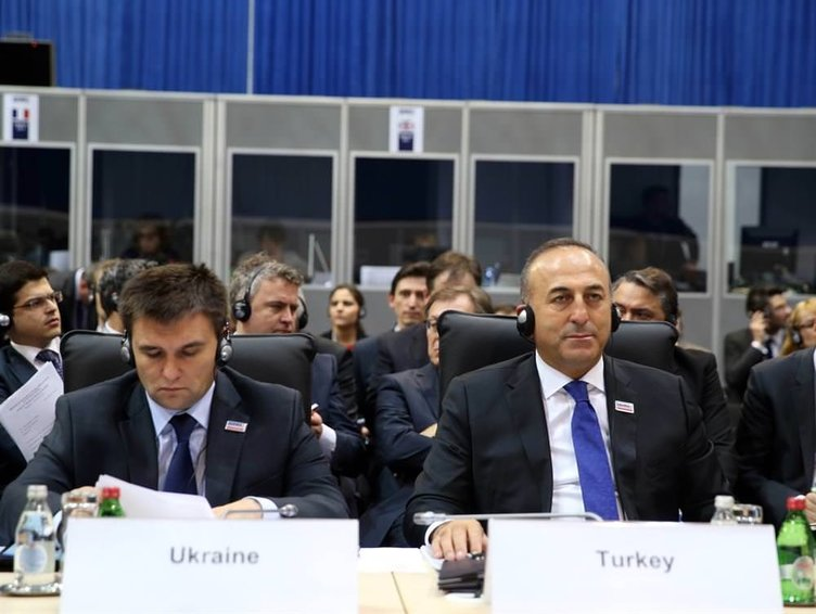 Lavrov-Çavuşoğlu görüşmesi başladı