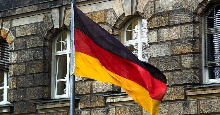 Almanya'da terör şüphesiyle bir asker daha yakalandı