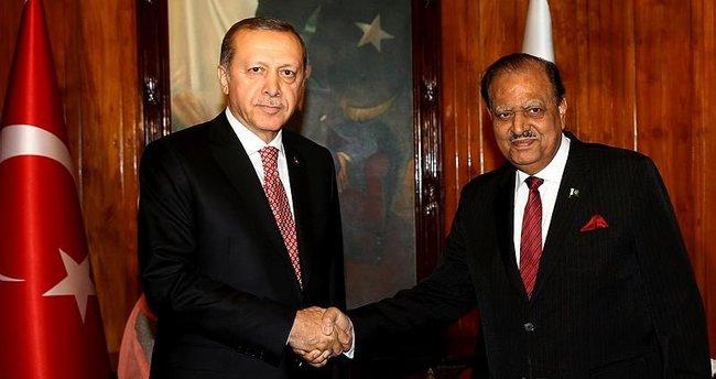 Cumhurbaşkanı Erdoğan, Pakistan Cumhurbaşkanı Hüseyin ile görüştü!