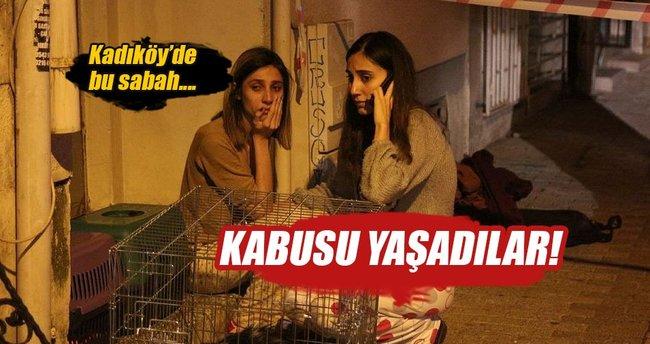 Kadıköy'de iki katlı ahşap bina alev alev yandı