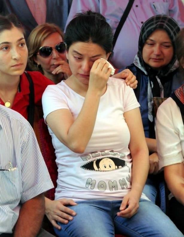Şehit polisin hamile eşinden ağlatan veda!