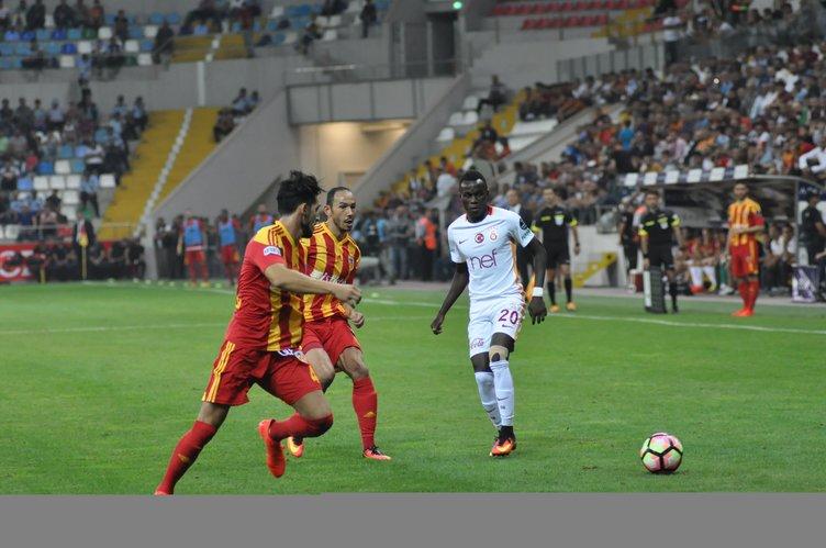 Kayserispor-Galatasaray maçı öncesi olay çıktı