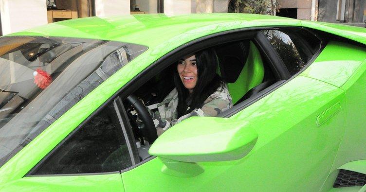 Asena Atalay, Lamborghini'den indi traktöre bindi
