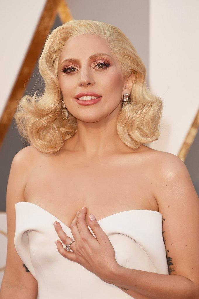 Lady Gaga, Suriye için dua istedi