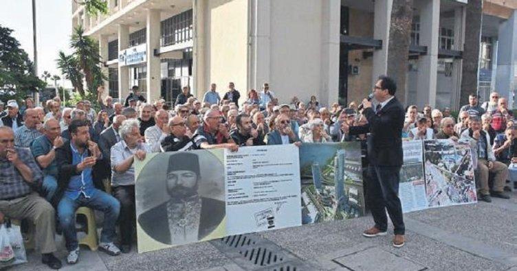 İzmir Büyükşehir'e 'düdüklü' protesto