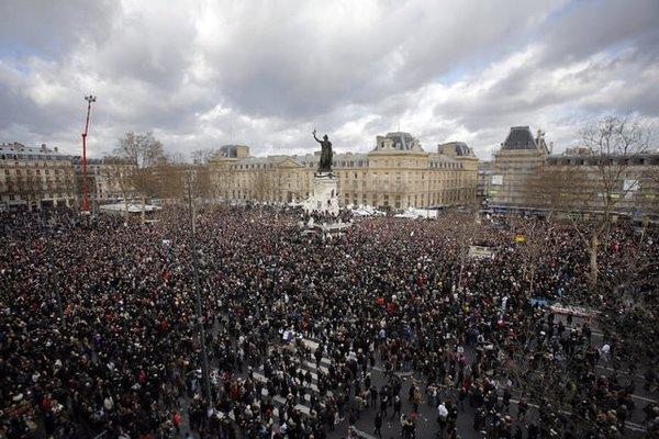 Paris'te teröre karşı dev yürüyüş