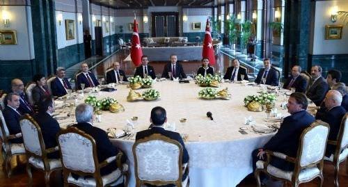 Erdoğan, Cumhurbaşkanlığı Sarayı'nda akademisyenlerle bir araya geldi