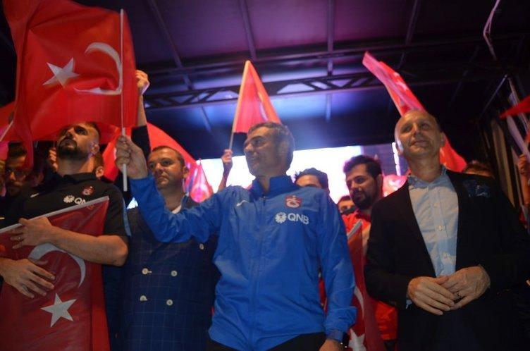 Trabzonspor'dan demokrasi nöbetine destek!