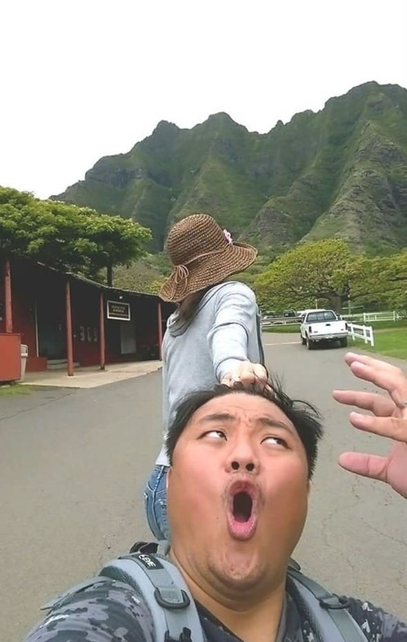 Tayvanlı çiftin kahkahaya boğan dünya turu