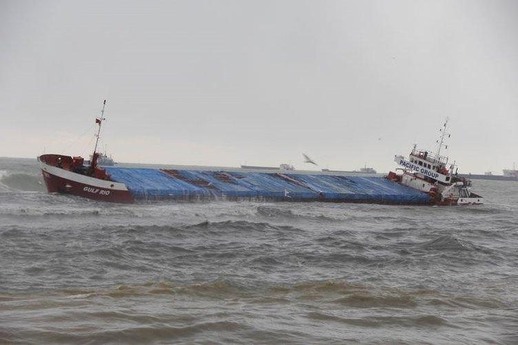 Samsun'da kuru yük gemisinin karaya oturdu