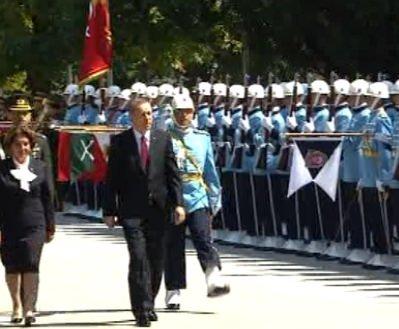 Seçilmiş Cumhurbaşkanı Erdoğan TBMM'ye böyle geldi