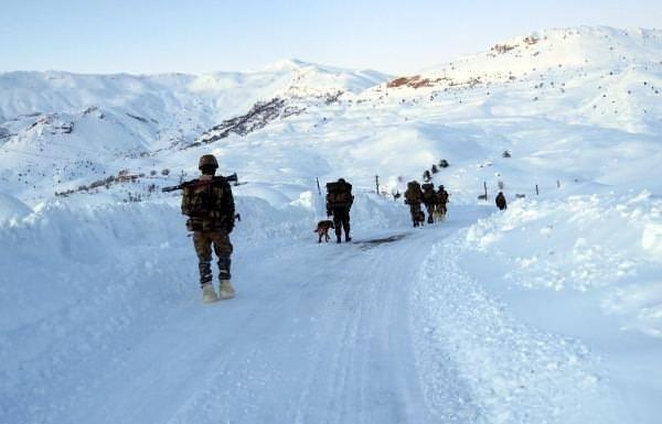 2 metre karda nokta operasyon