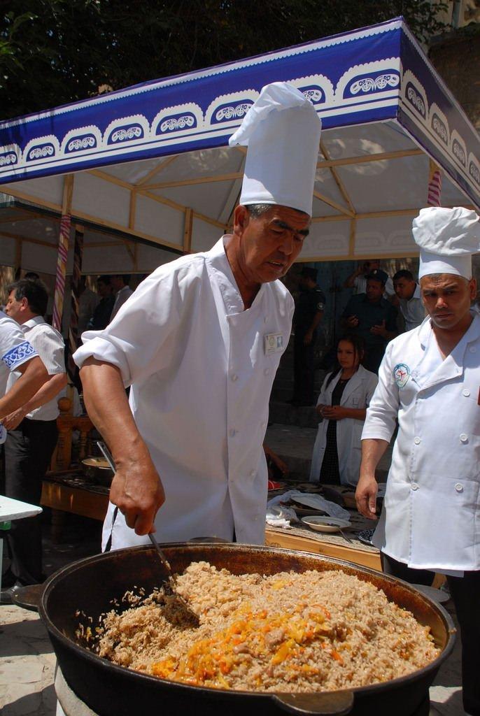 Özbekistan'da ipek ve baharat festivali