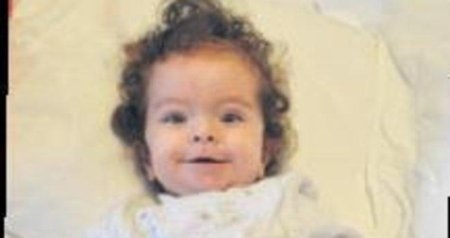 6 aylık bebeğin böbreğinde taş çıktı