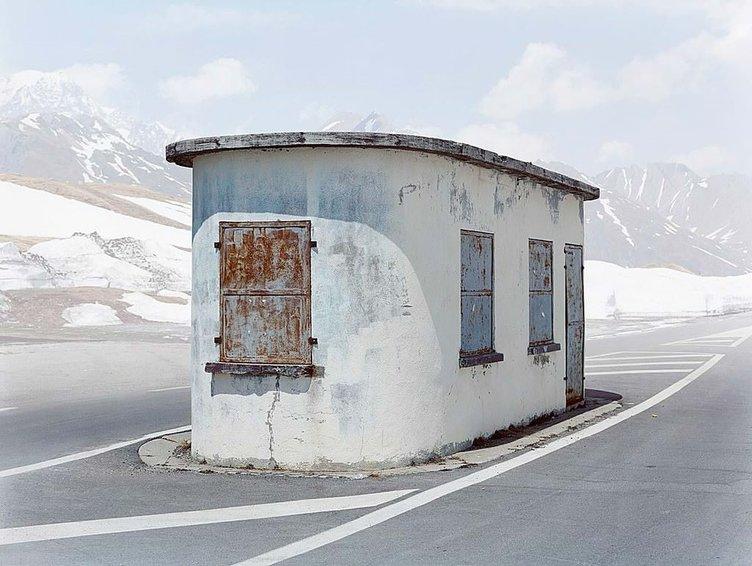 Terk edilmiş sınır kapıları