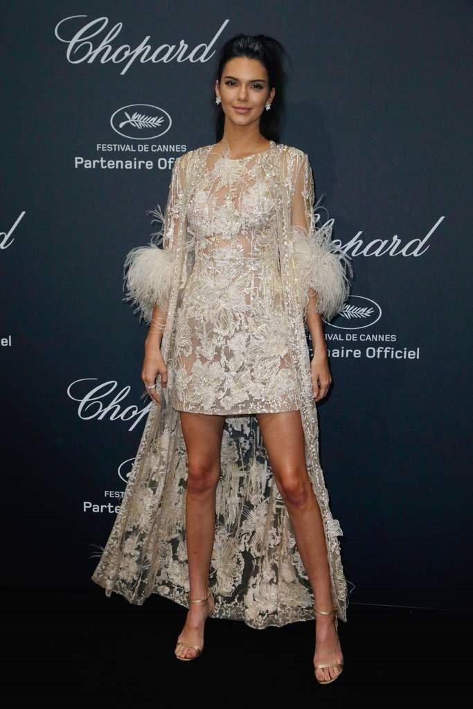 Kendall Jenner yine şıkır şıkır